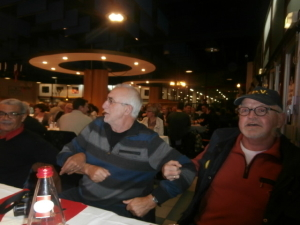 Johan heeft er schik in supper gezellig die Zuchter Abend in Metz